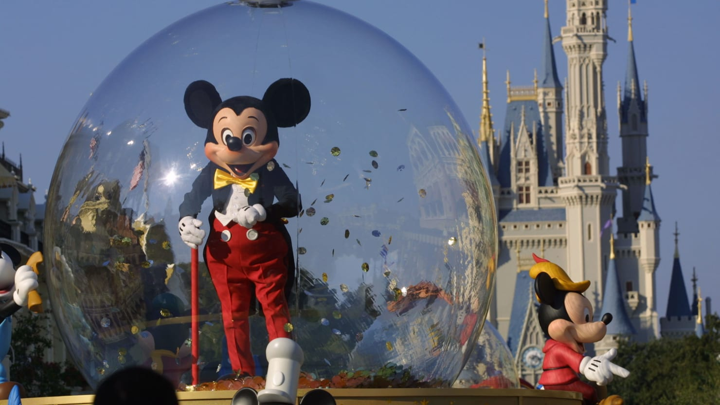 Orlando Man Threatens to Kill Disney World Employee Over Mask Rule