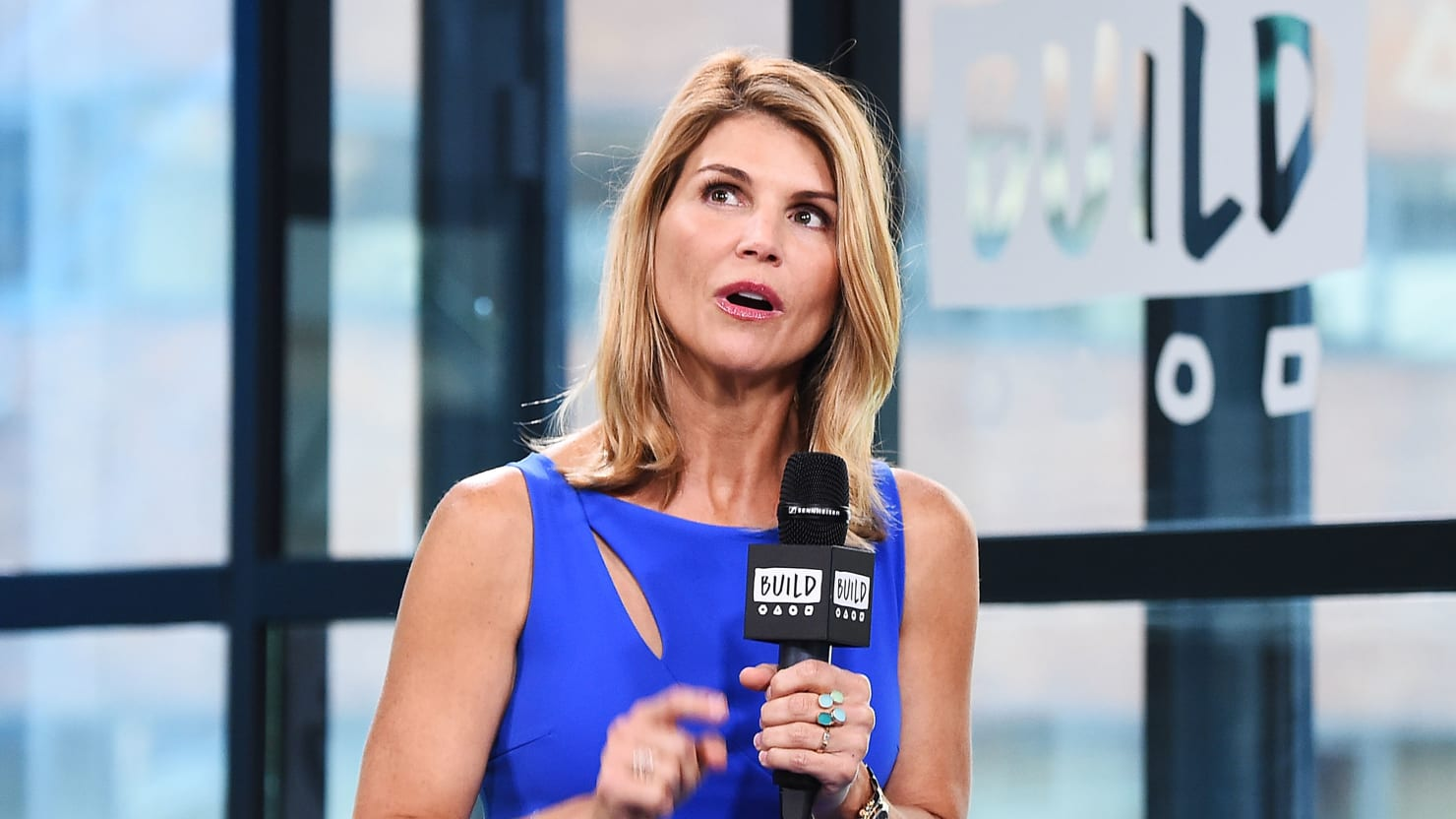 Lori Loughlin 'Didn't Realize What They Were Doing Was Illegal' in College Cheating Scheme: Report