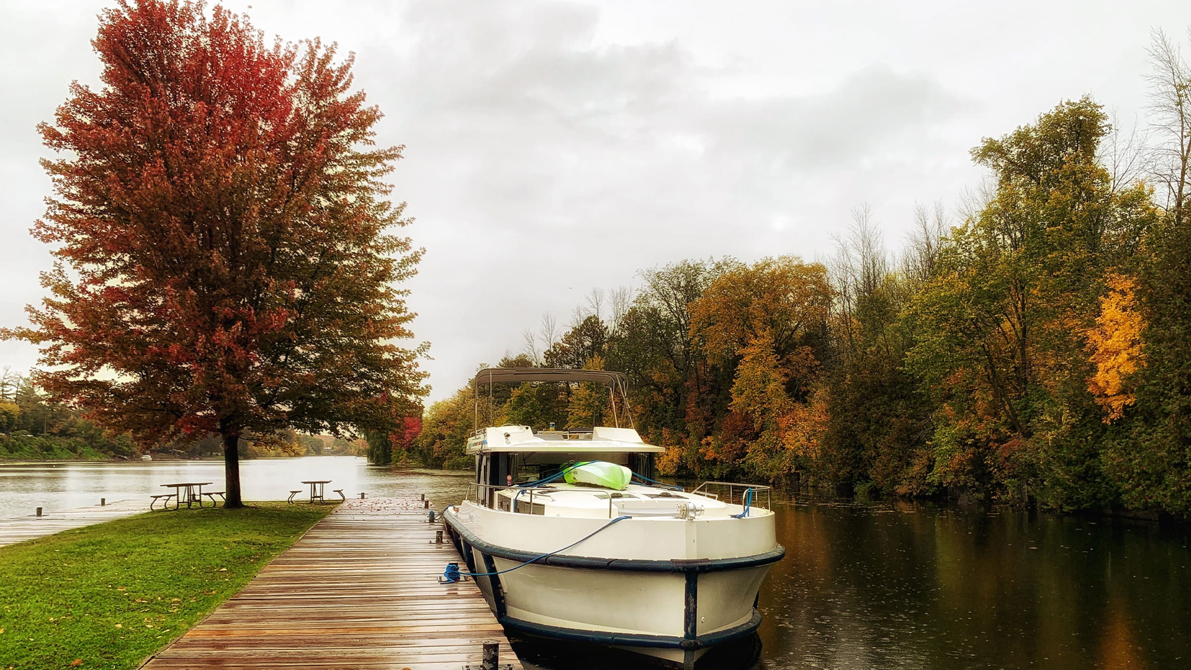 The Boating Trip Perfect for Leaf Peepers; Jennifer Bain; Daily Beast