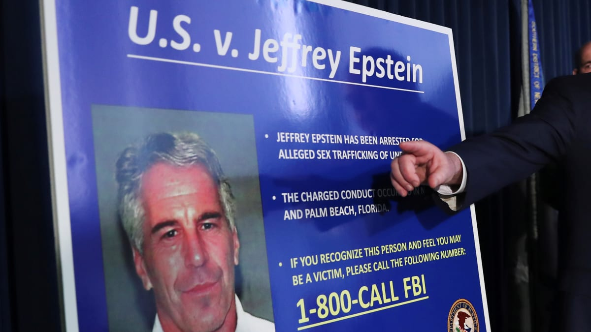 Top Florida Cop: Jeffrey Epstein Was Tipped Off, Found Every Loophole as Investigators Closed In