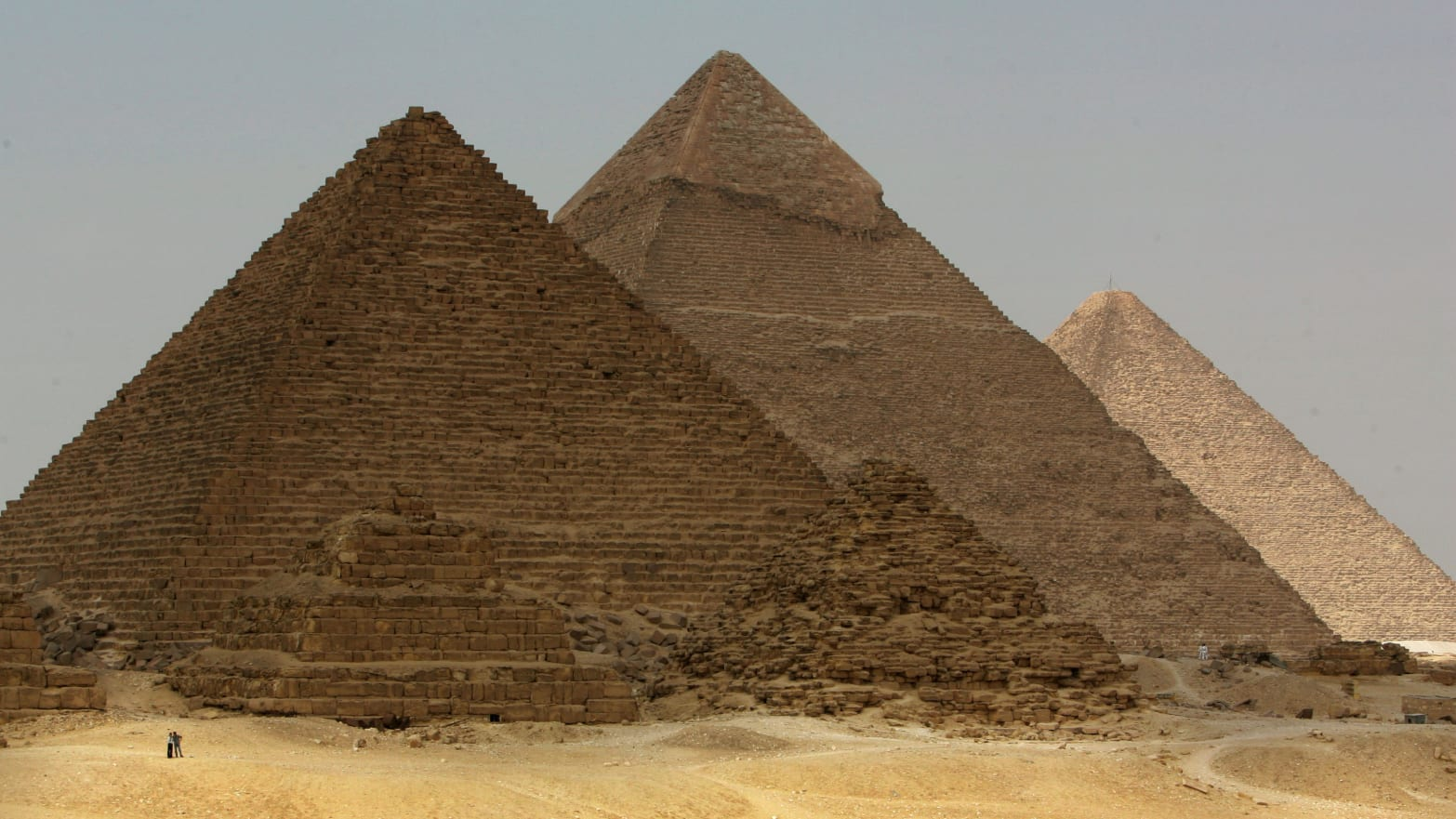 Bus Explosion Targets Foreign Tourists Near Giza, Egypt Pyramids