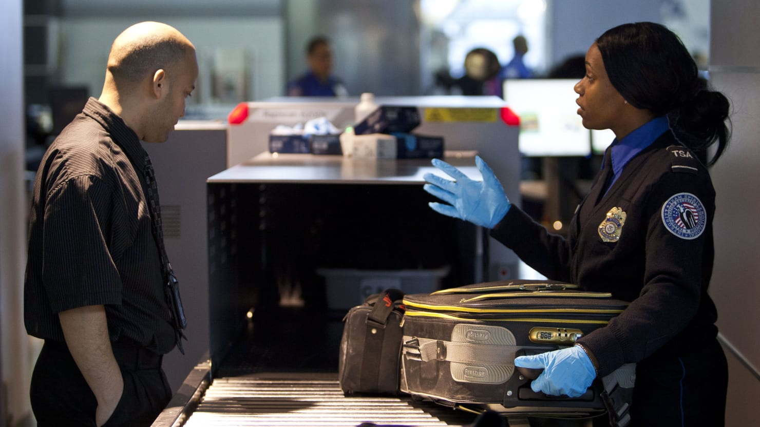 DHS Eyeing Loose Coins From TSA Checkpoints to Pay for Border Operations, Says Report