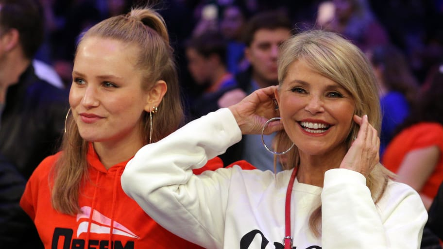 Christie Brinkley Suffers Injury Days Before 'Dancing With the Stars' Premiere, Replaced by Daughter Sailor