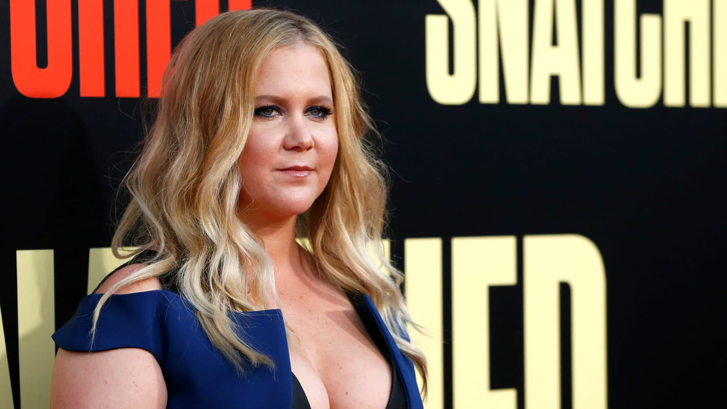 amy schumer to make broadway debut in new steve martin play