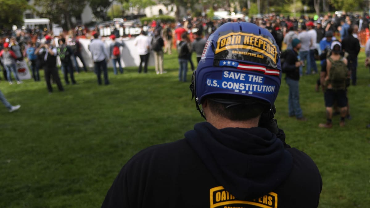 The Oath Keepers Providing Volunteer Security at Trump's Minneapolis Rally Are Itching for a Civil War