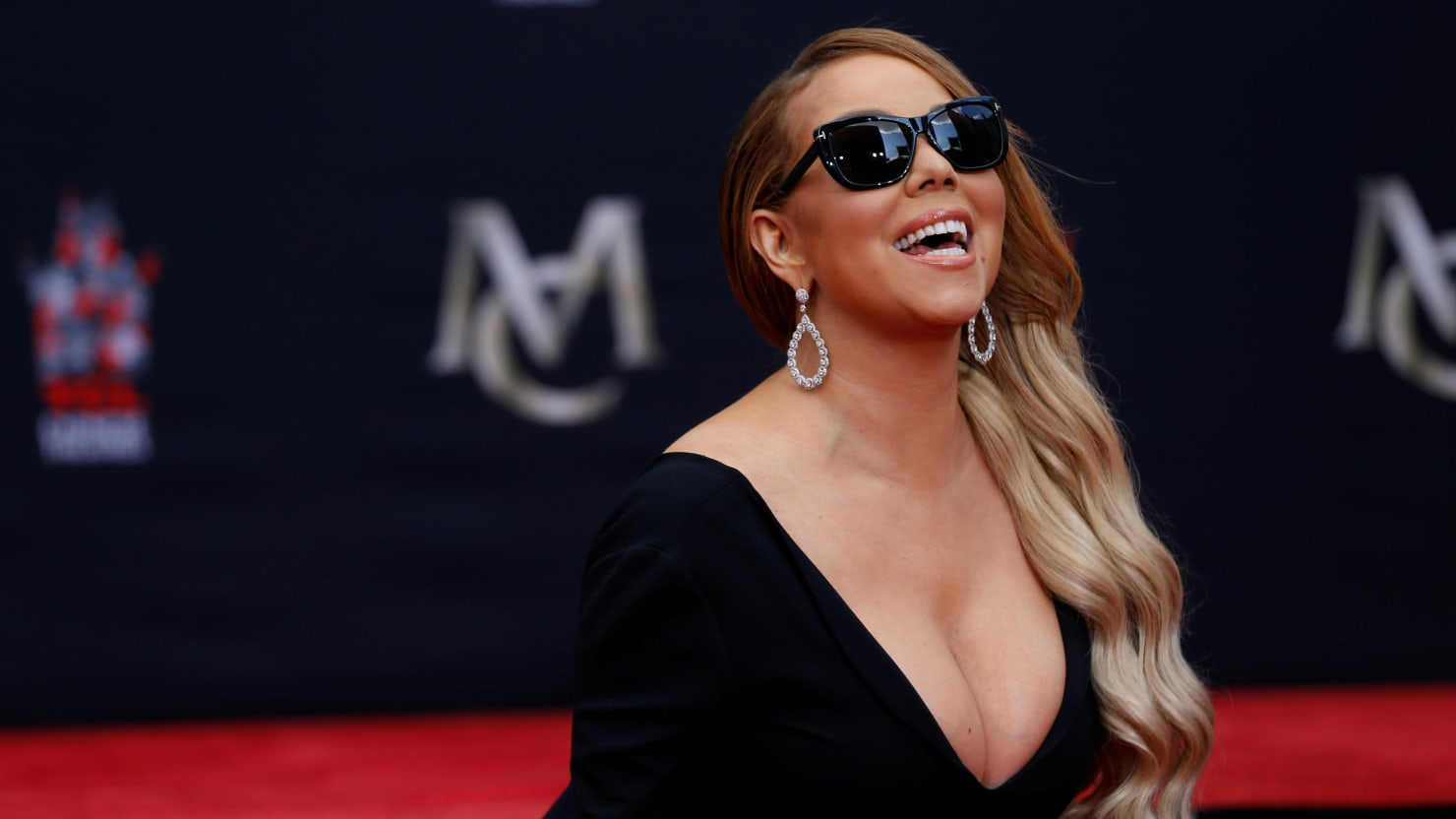 Mariah Carey again accused of sexual harassment 17.04.2018 71