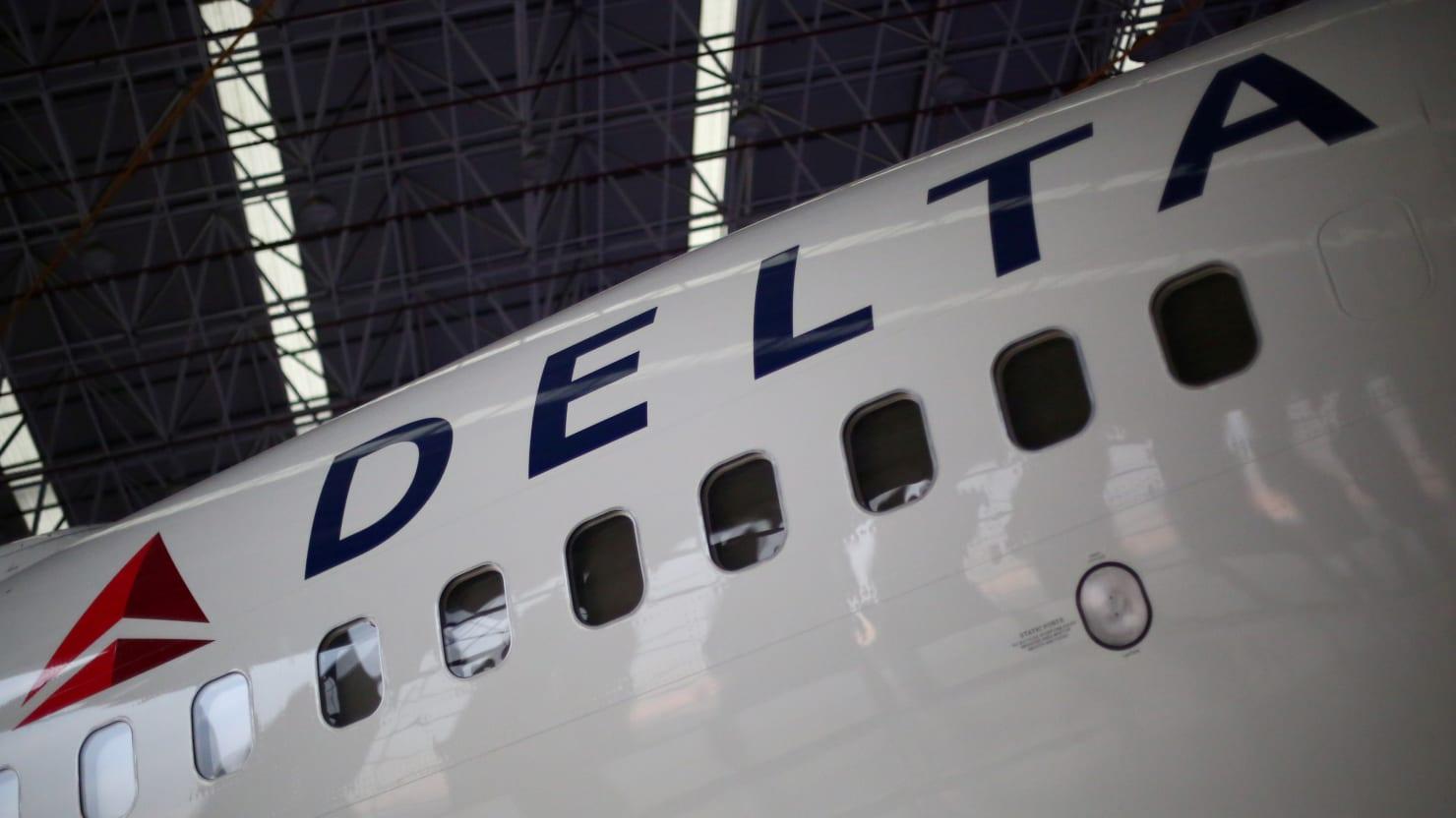 Delta Adding Naloxone to On-Board Emergency Kits After Passenger Overdoses on Flight