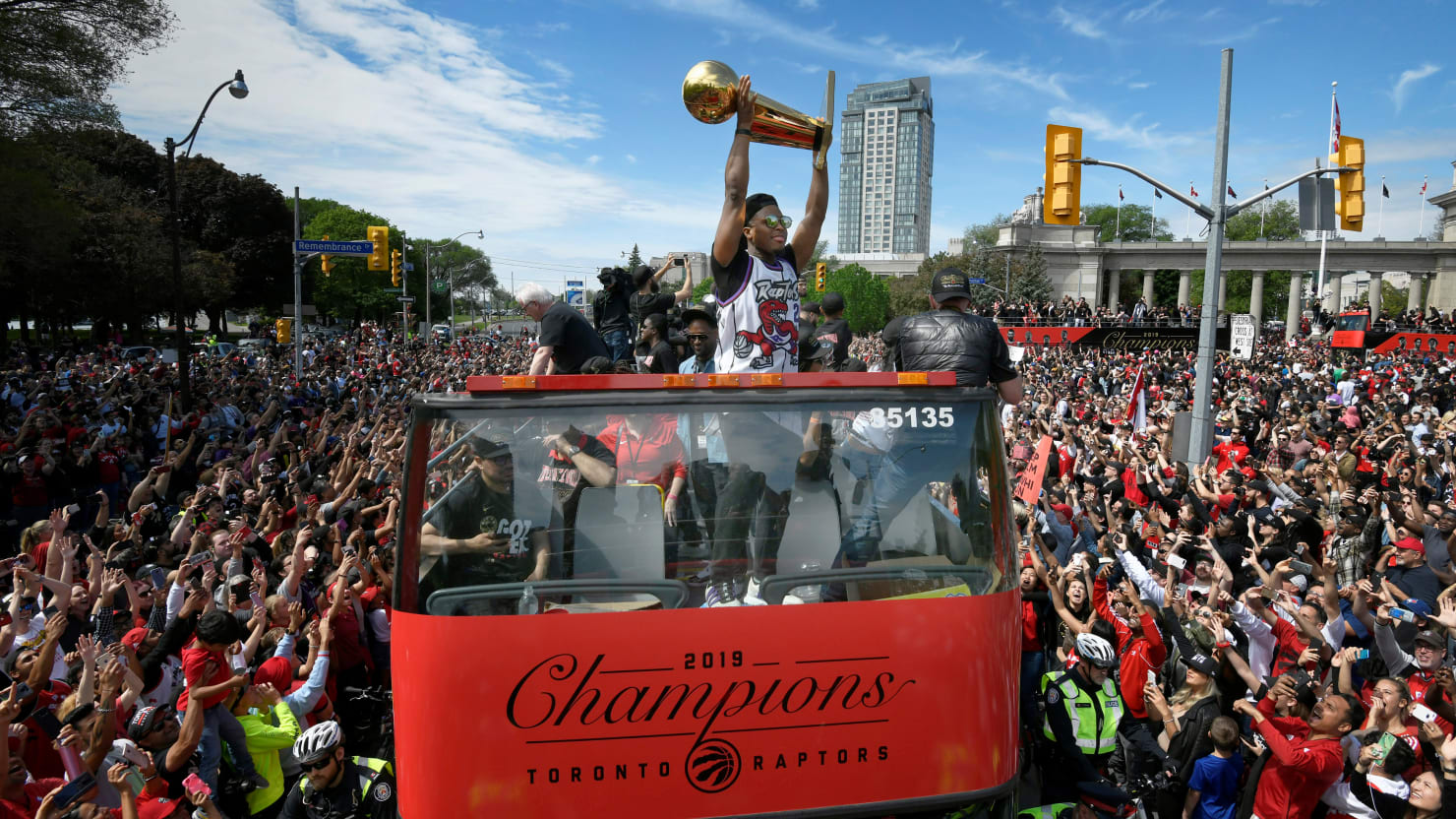 Four Hurt in Shooting During Toronto Raptors' NBA Celebrations