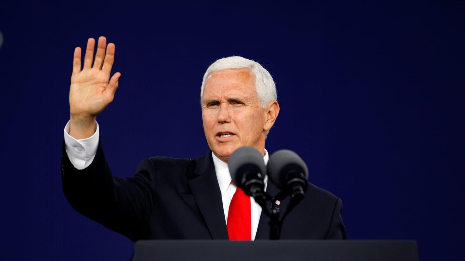Dozens of Taylor University Grads Walk Out During Mike Pence's Commencement Address