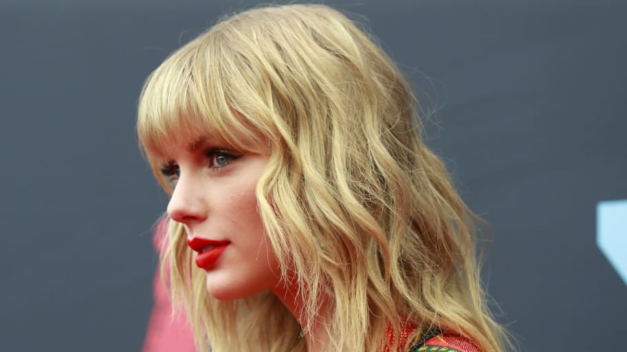 Taylor Swift Cancels Performance at Melbourne Cup Horse Race Under Pressure From Animal Rights Activists