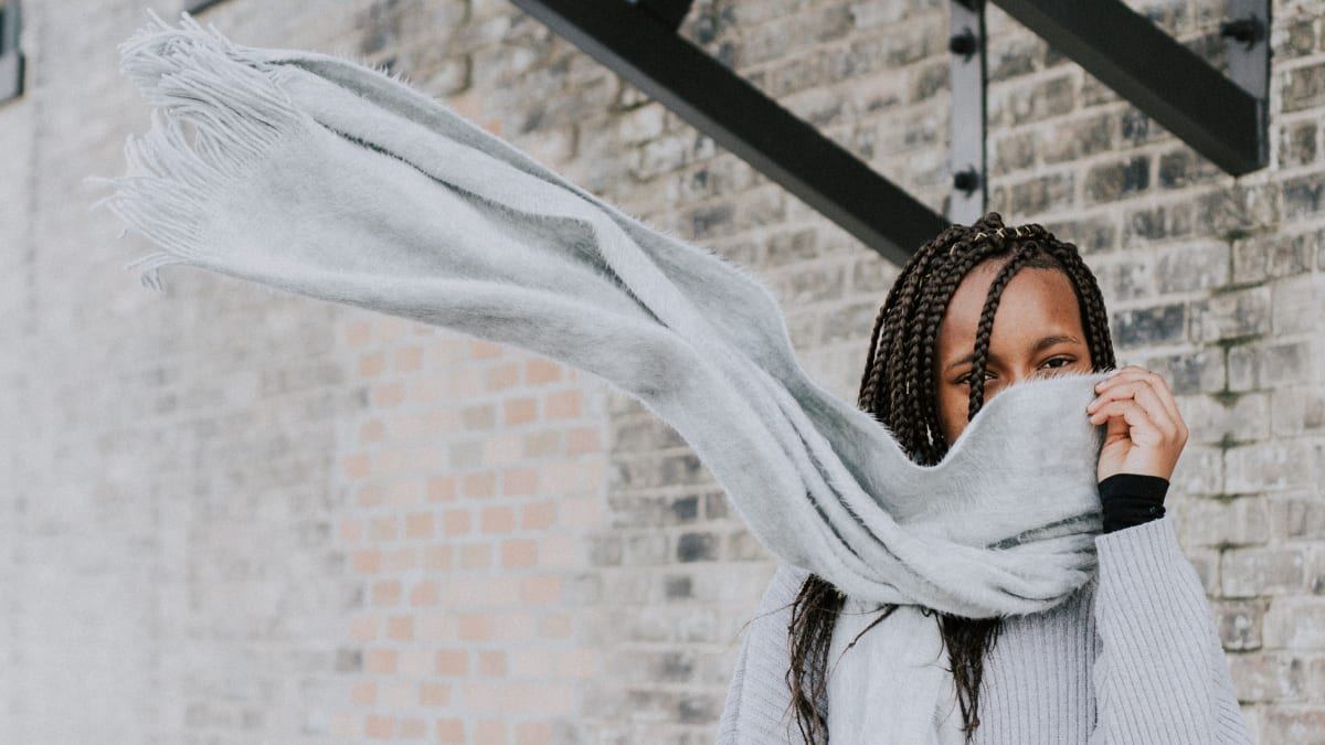 The Best Wool and Cashmere Scarves from Everlane, Cuyana, and More