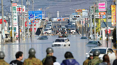 Shocking Videos And Photos From The 2011 Japan Earthquake And Tsunami