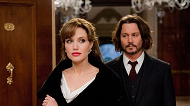 Angelina Jolie And Johnny Depp In The Tourist Photo Columbia Pictures