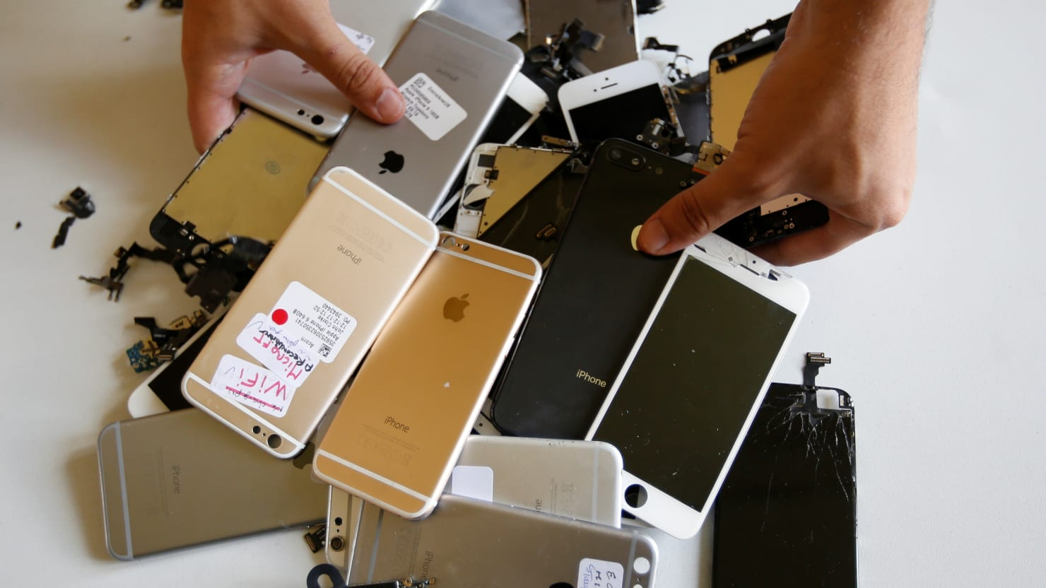 Why Your Old iPhone Might Suddenly Stop Working Sunday