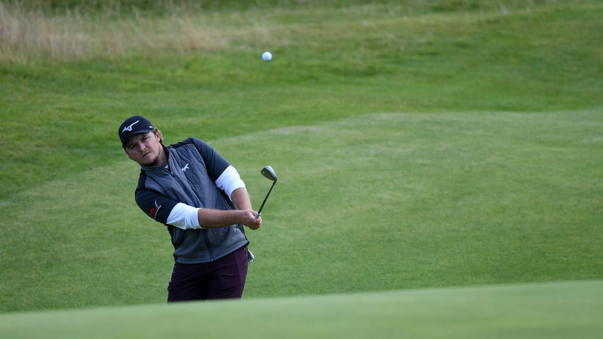 Golfer Eddie Pepperell Disqualified From Turkish Airlines Open After Running Out of Balls