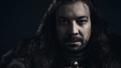 Jimmy Fallon as Jon Snow