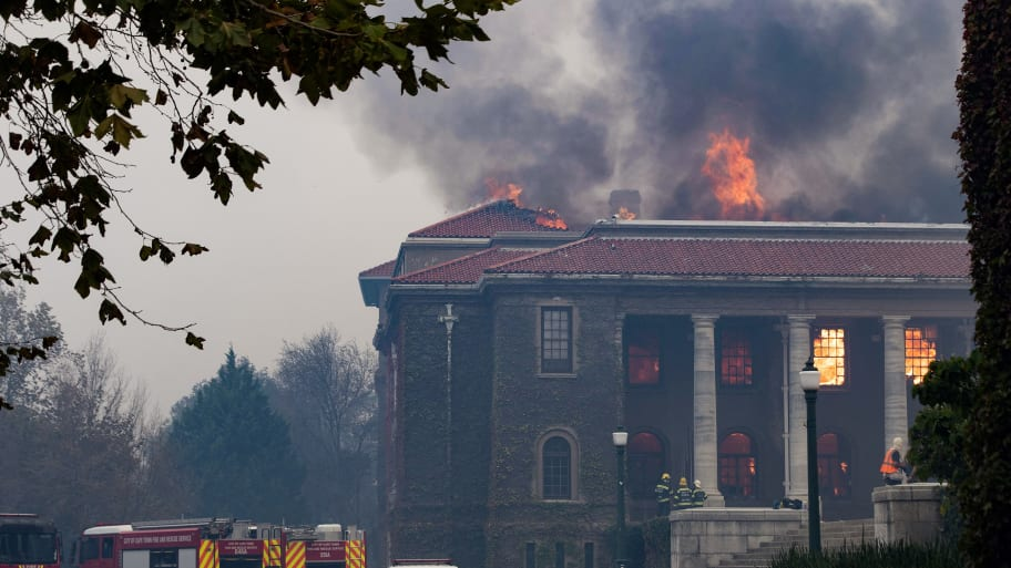 'Out of Control' Cape Town, South Africa Fire Destroys Historic University Library As Students Are Evacuated