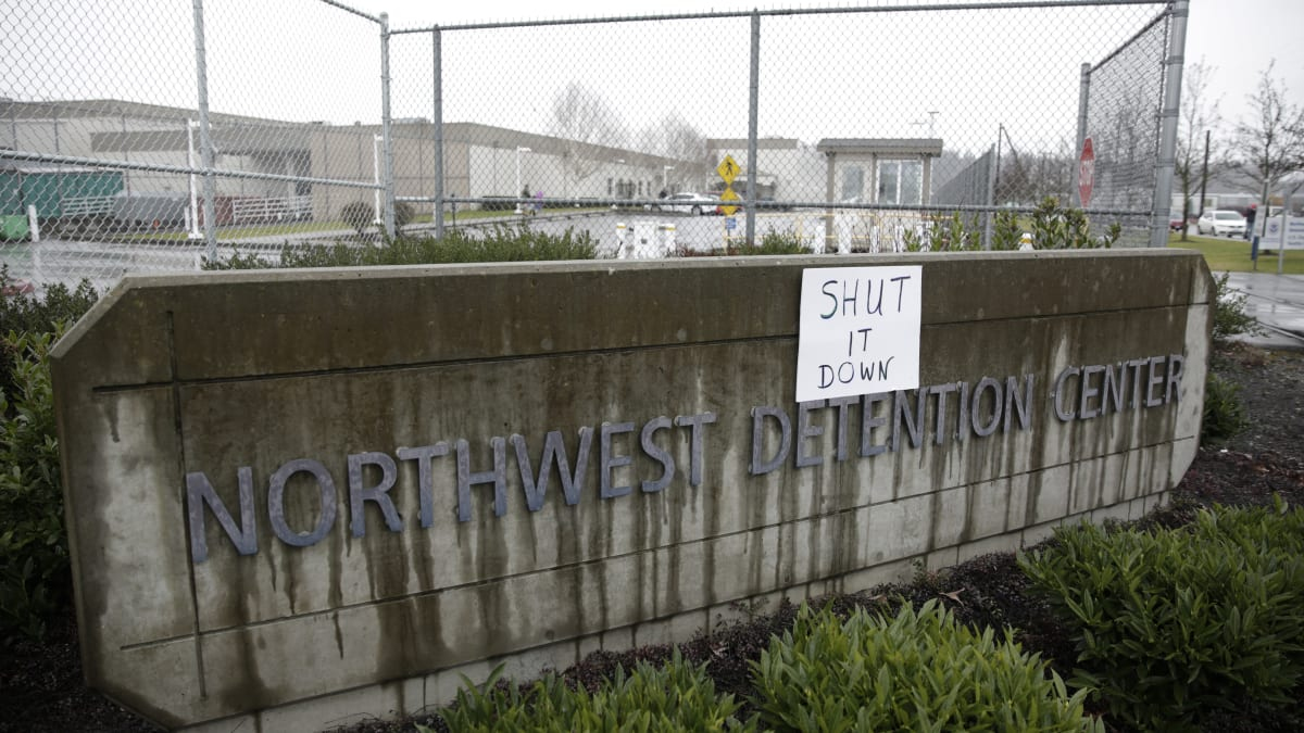 Washington Man Accused of Hurling Molotov Cocktails at ICE Detention Center Killed by Tacoma Police