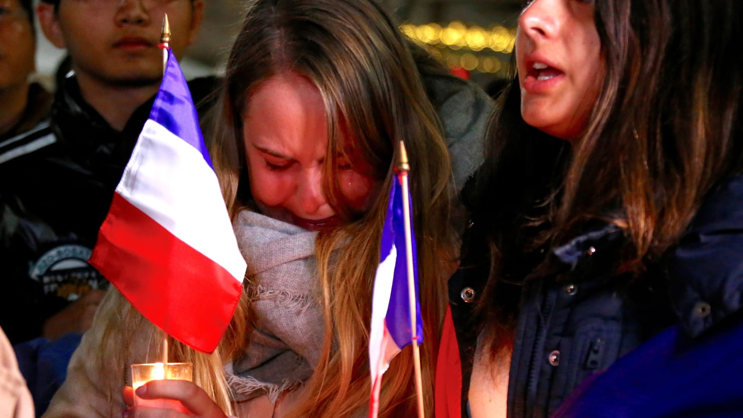 World Mourns Tragedy in Nice, France (PHOTOS)