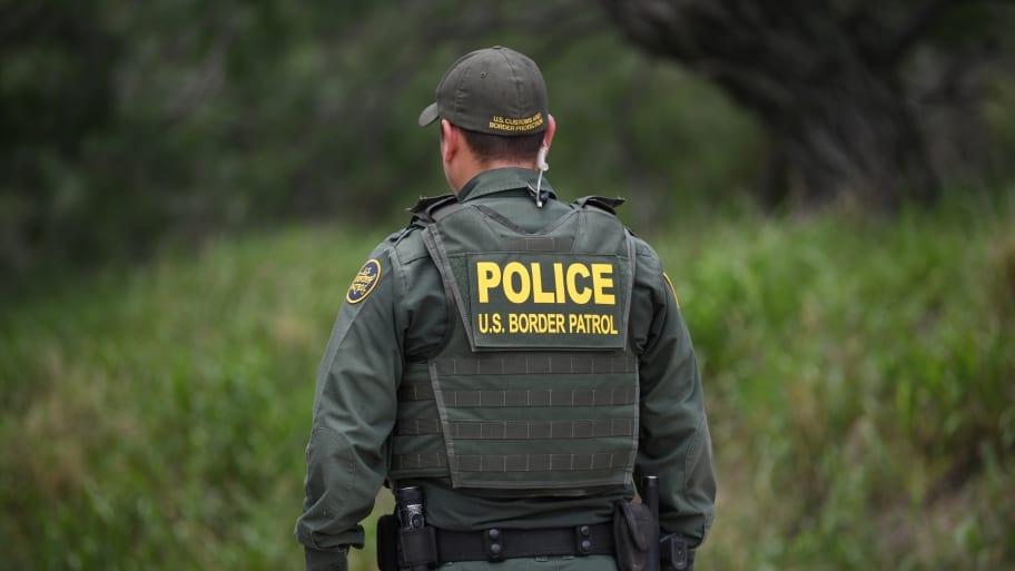 Texas Border Patrol Agent Shot, Suspect Killed After Gunmen Opens Fire During Traffic Stop