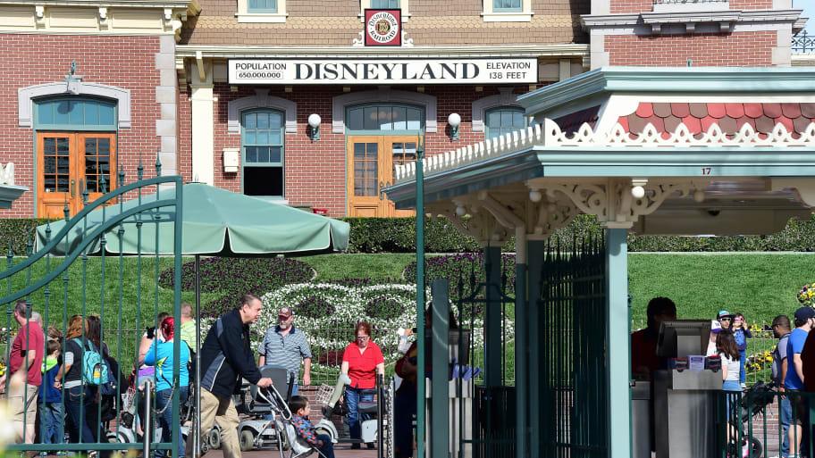 Health Officials Warn of Measles Exposure at Disneyland, Universal Studios