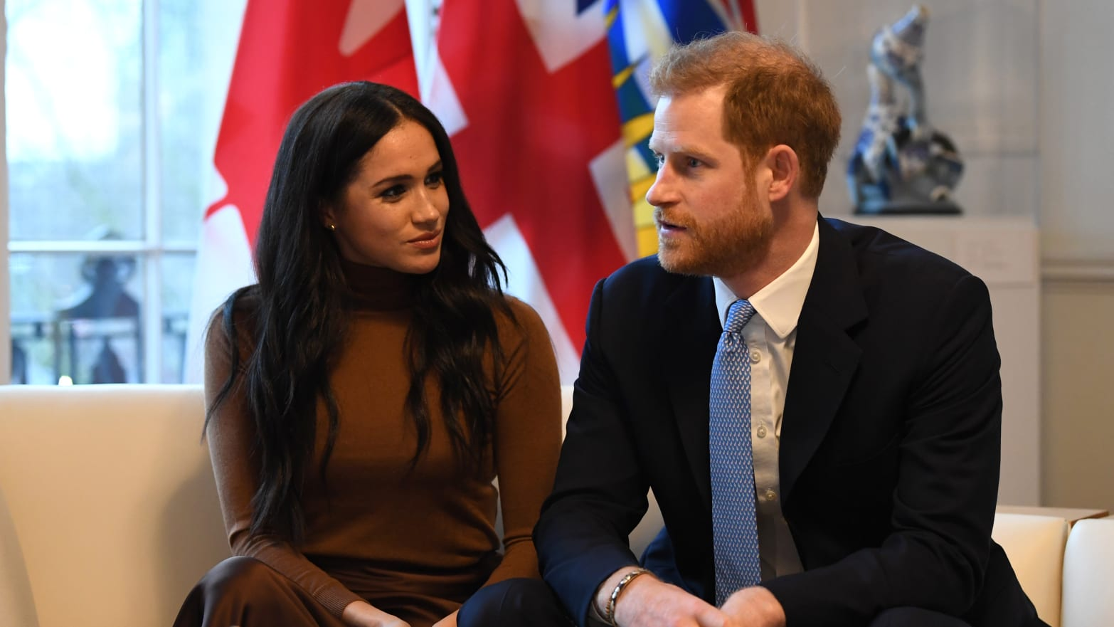 ouun6w2njpse1m https www thedailybeast com meghan markle and prince harry discussed miscarriage op ed in the new york times with royals