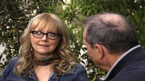 Shelley Long Tackles Sofia Vergara on 'Modern Family'