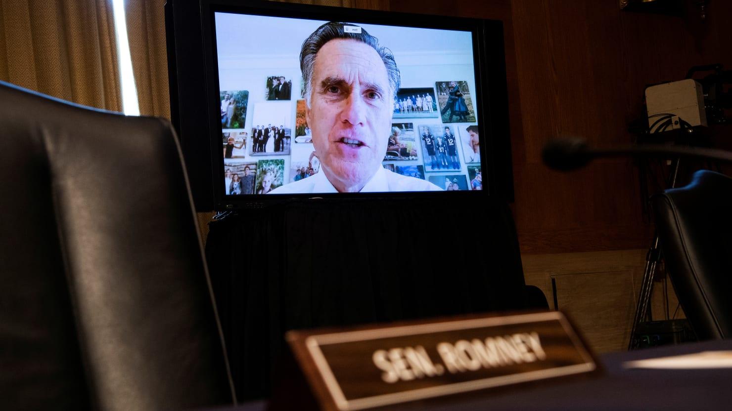 thedailybeast.com - Barbie Latza Nadeau - Mitt Romney Accuses Donald Trump of 'Unprecedented, Historic Corruption' for Pardoning Roger Stone