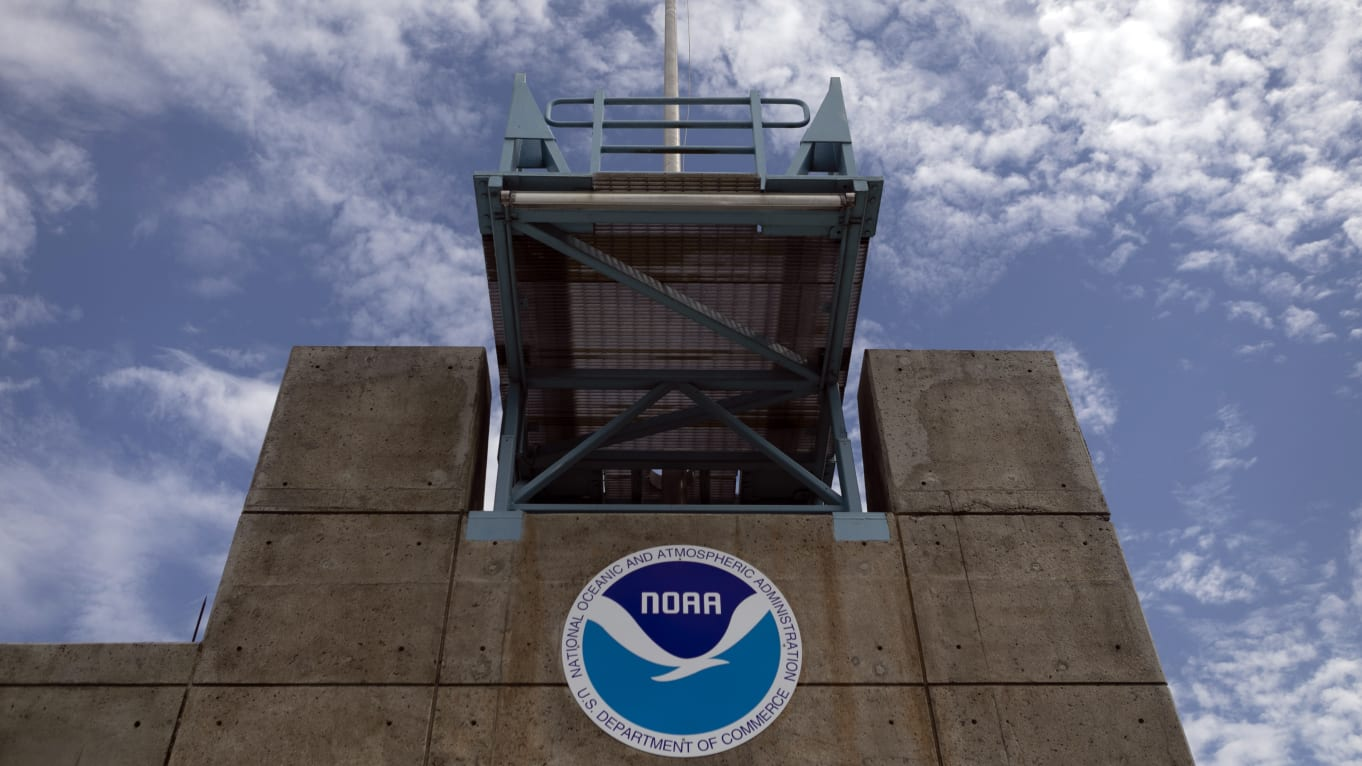 NOAA support of Trump an outrage: Union head