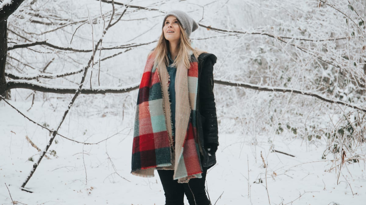 These Best-Selling Blanket Scarves Are All About Warmth