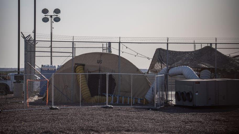Over 100 Migrant Children Transferred Back to Controversial Texas Border Facility