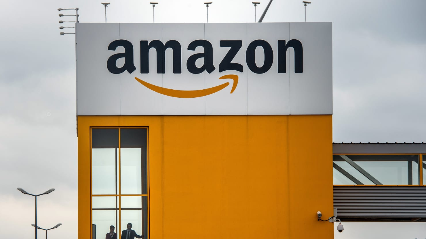 Amazon Hired Pinkerton Operatives to Spy on Warehouse Workers: Vice
