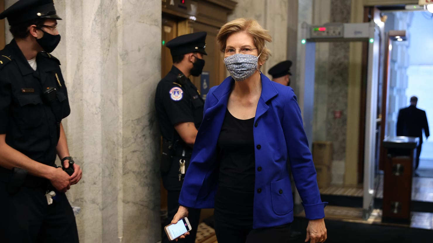 Elizabeth Warren Agrees to Hold High-Dollar Fundraiser for...