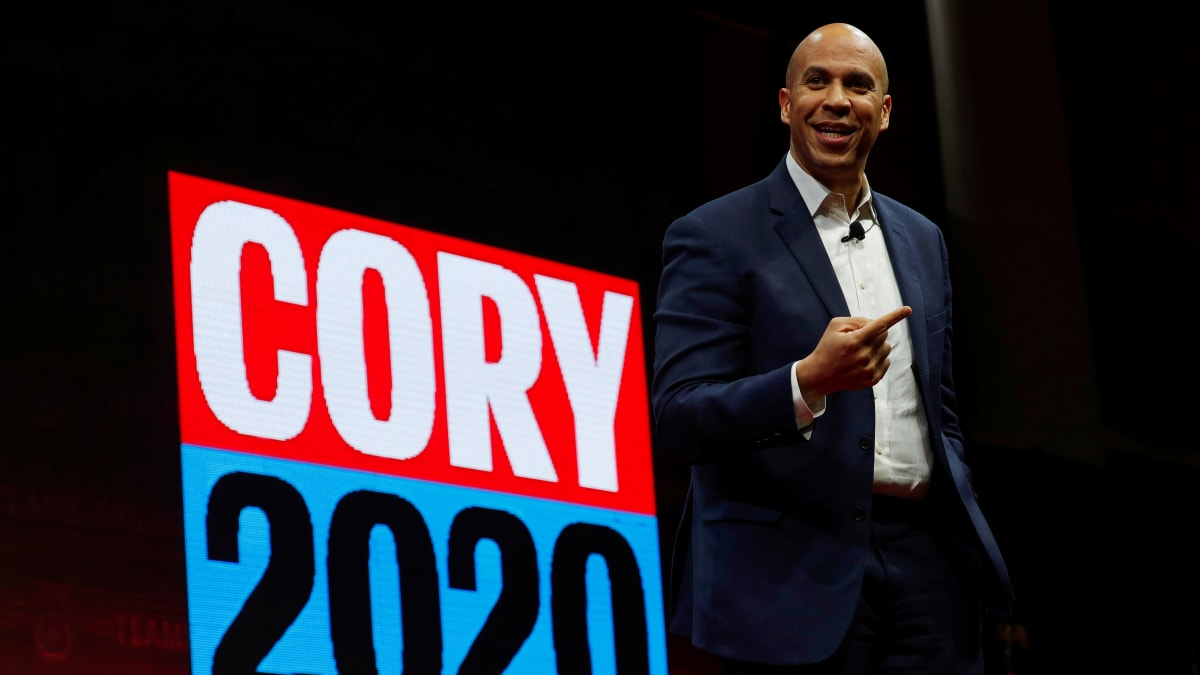 Cory Booker, Top Democratic Candidates Urge DNC to Change Debate Qualifying Rules