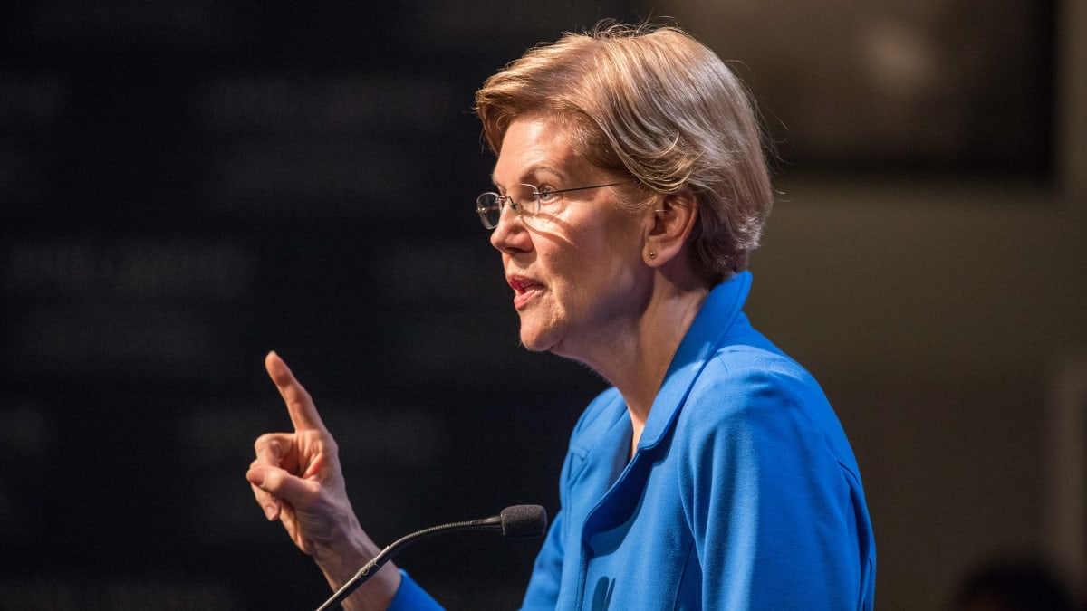 Elizabeth Warren Says She Might Miss Debate at LMU to Stand in Solidarity With Labor Union