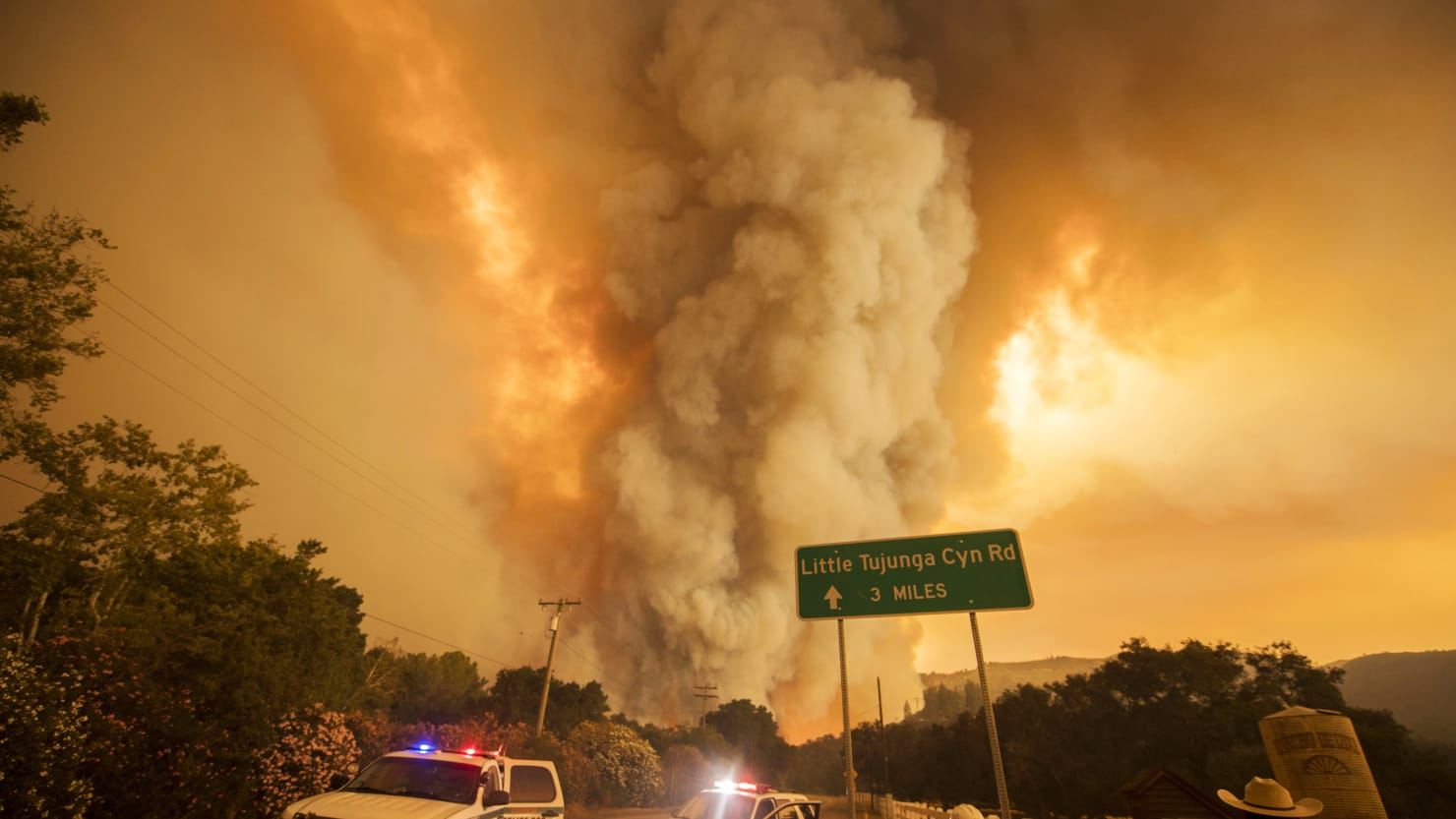 K And S Auto >> Gigantic Wildfire Rages Near Los Angeles (PHOTOS)