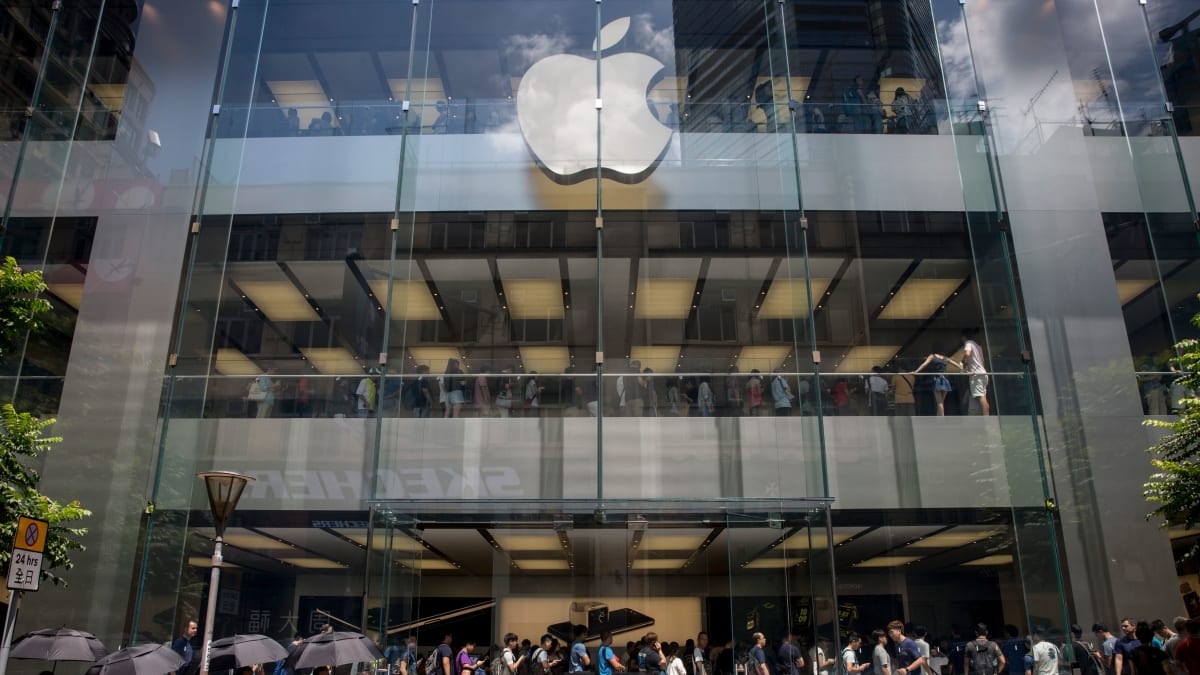 Apple Removes App That Let Protesters Track Hong Kong Police