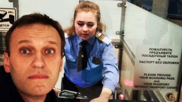 Putin Opponent Alexei Navalny Allowed to Fly Out of Russia After Ban Lifted