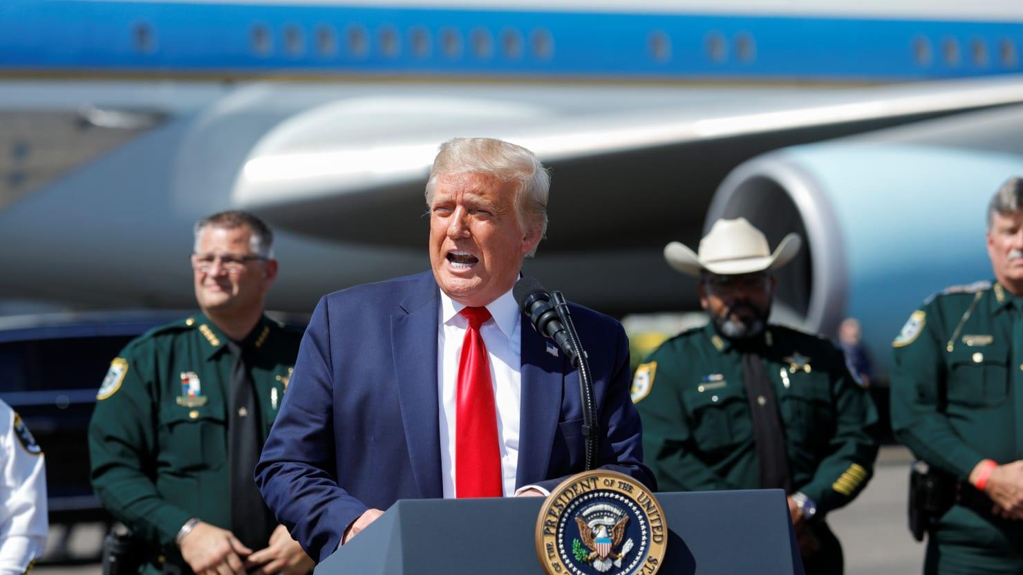 Trump Turns Coronavirus Roundtable Into Mask-Free Campaign Rally