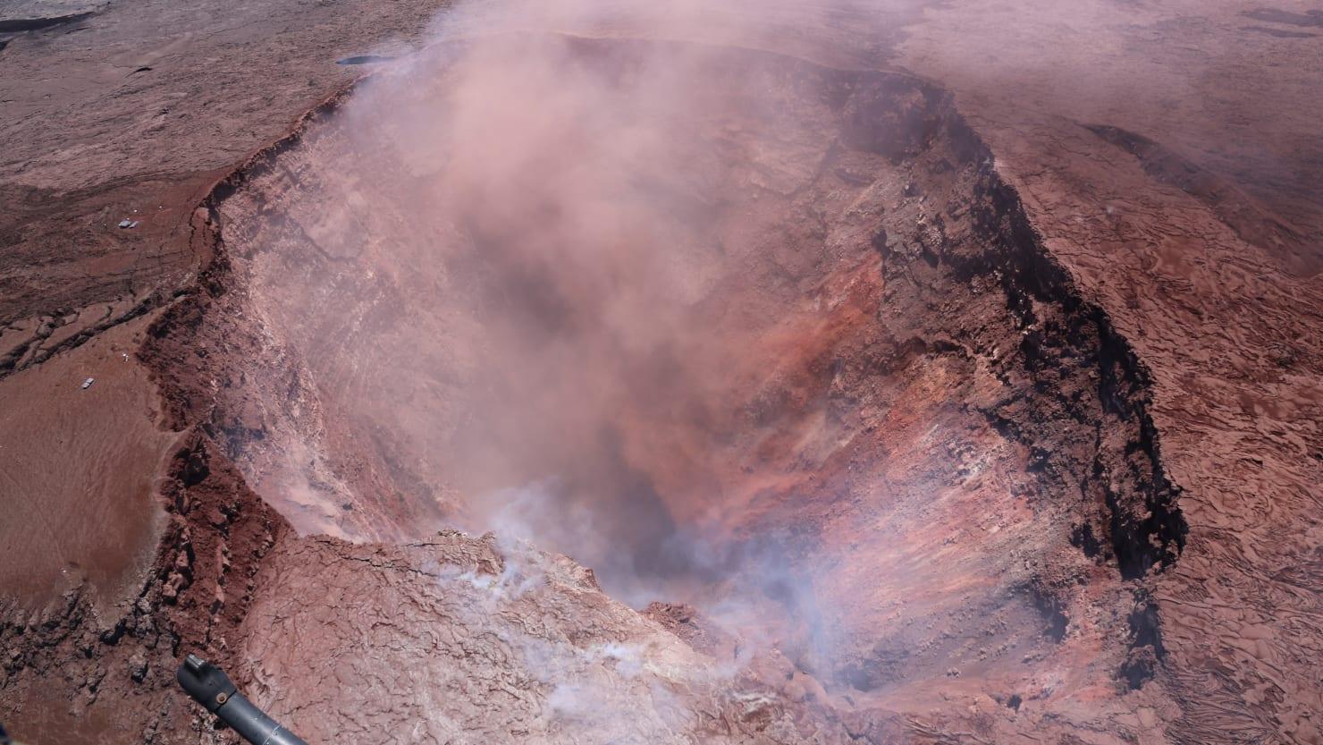Tourist Falls 70 Feet Into Hawaii Volcano Crater
