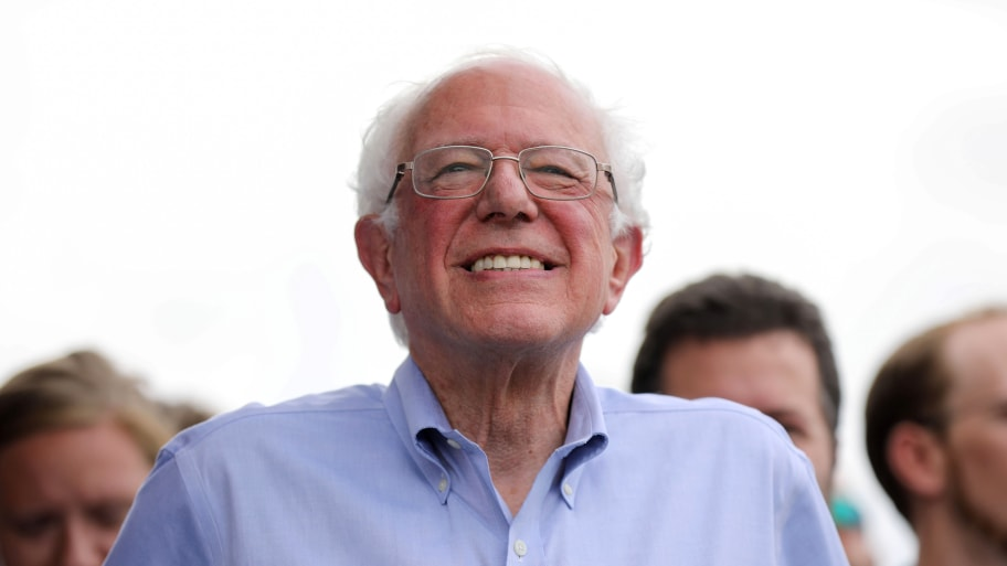 Bernie Sanders Unveils $16 Trillion 'Green New Deal' to Avert Climate Catastrophe and Create 20M Jobs