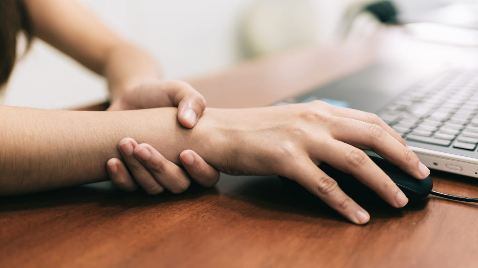 Carpal Tunnel Surgery >> Carpal Tunnel Can Be Treated In A 10 Minute Surgery Here S How It Works