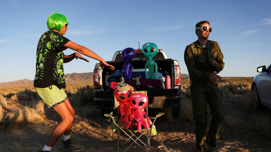 U.S. Military Apologizes for Tweet Threatening to Use Stealth Bomb on Area 51 Protesters