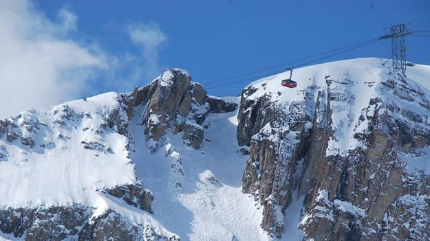 The World's 13 Most Dangerous Ski Runs