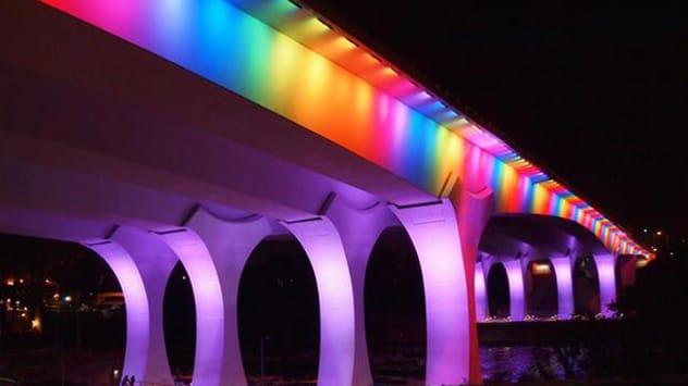 Minnesota Bridge Lit to Celebrate Passage of Gay Marriage Law