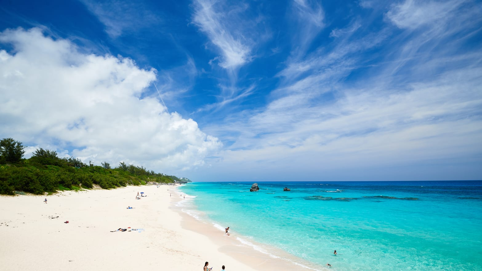 Every Single Reason You Need To Visit Bermuda This Fall