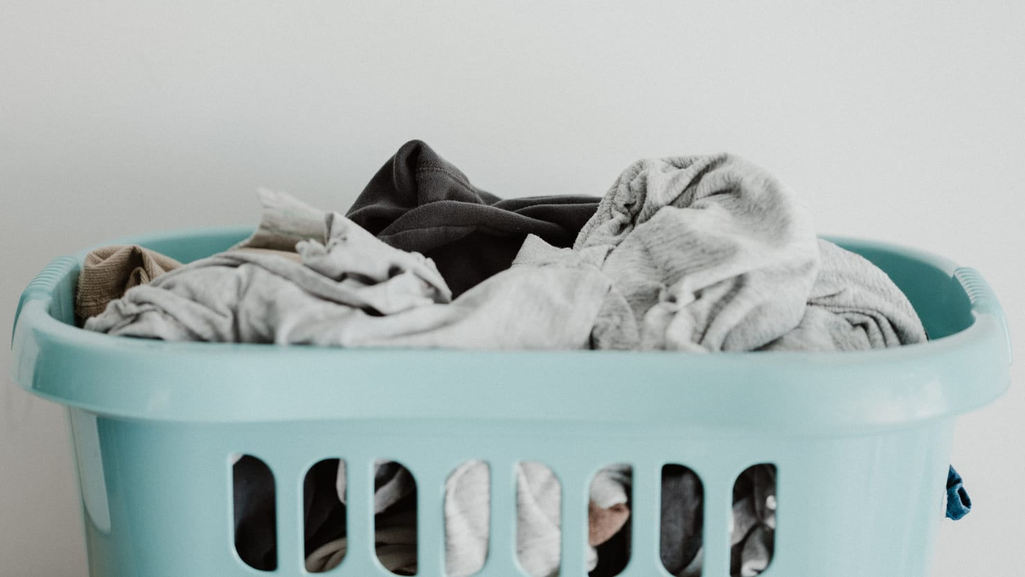 How to Do Laundry At Home Without a Washing Machine or Dryer