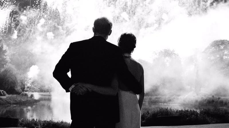 Harry and Meghan Release Super Chic Christmas Card, While Kate and William Revel In Their Dowdiness