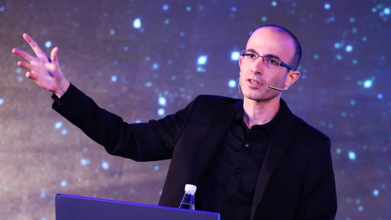 Yuval Noah Harari's Quick Primer on How to See Into the Future
