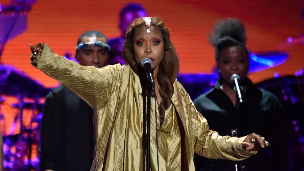 Erykah Badu's Feud With 'Surviving R Kelly' Producer Explodes Online